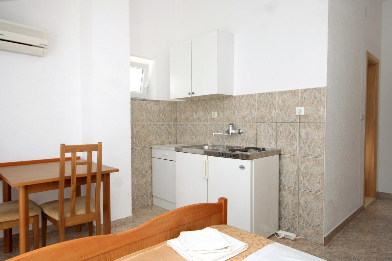 Ferienwohnung Studio Appartment im Ort Slano (Dubrovnik), Kapazität 2+0 (2035619), Slano, , Dalmatien, Kroatien, Bild 3
