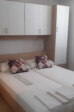 Slađenovići, Bedroom in the room, air condition available and WiFi.