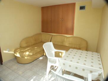 Slađenovići, Dining room in the apartment, WIFI.