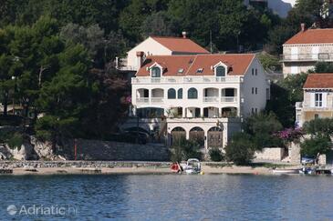 Slano, Dubrovnik, Objekt 2178 - Apartmaji in sobe v bližini morja s prodnato plažo.