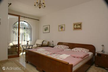 Slano, Спальня в размещении типа room, доступный кондиционер, Домашние животные допускаются и WiFi.
