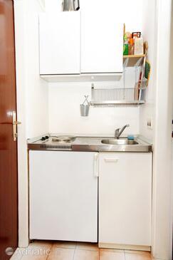 Slano, Кухня в размещении типа studio-apartment, Домашние животные допускаются и WiFi.