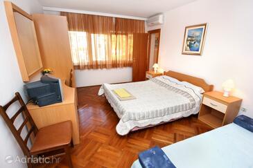 Rovinj, Bedroom in the room, dostupna klima, dopusteni kucni ljubimci i WIFI.