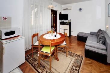 Poreč, Obývací pokoj v ubytování typu apartment, s klimatizací a WiFi.