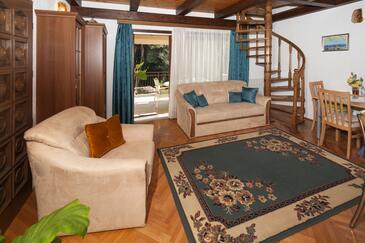 Poreč, Obývací pokoj v ubytování typu studio-apartment, s klimatizací a WiFi.