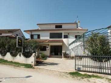 Rovinj, Rovinj, Propiedad 2226 - Apartamentos with pebble beach.