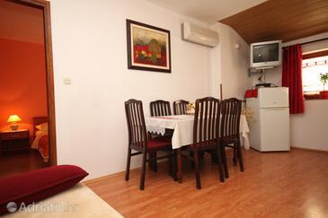 Rovinj, Столовая в размещении типа apartment, доступный кондиционер, Домашние животные допускаются и WiFi.