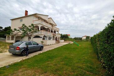 Povljana, Pag, Объект 224 - Апартаменты с песчаным пляжем.