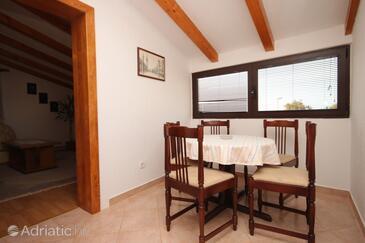 Vrsar, Dining room in the apartment, dostupna klima i dopusteni kucni ljubimci.