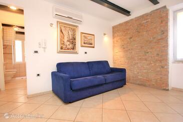 Rovinj, Living room in the apartment, dopusteni kucni ljubimci i WIFI.