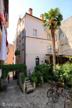 Rovinj, Rovinj, Property 2244 - Apartments near sea with pebble beach.