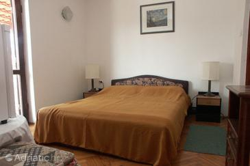 Rovinj, Bedroom in the room, air condition available and WiFi.