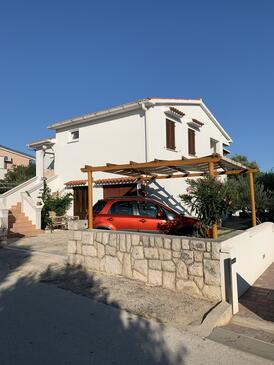 Povljana, Pag, Property 225 - Apartments near sea with pebble beach.