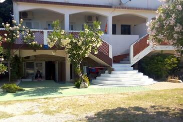 Povljana, Pag, Property 227 - Apartments with sandy beach.