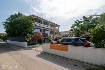 Povljana, Pag, Property 227 - Apartments with sandy beach.