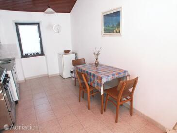 Valbandon, Dining room in the apartment, air condition available and WiFi.