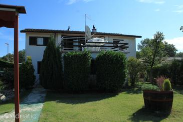 Valbandon, Fažana, Property 2289 - Apartments with pebble beach.