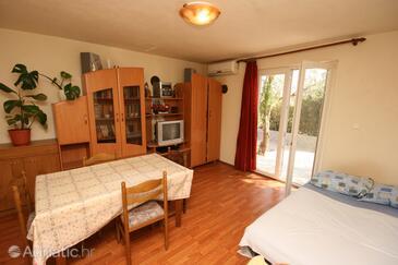 Povljana, Столовая в размещении типа apartment, доступный кондиционер и WiFi.