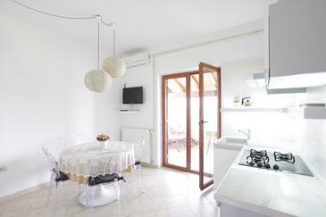 Fažana, Dining room in the apartment, dopusteni kucni ljubimci.