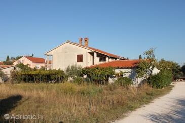 Fažana, Fažana, Propiedad 2293 - Apartamentos with pebble beach.