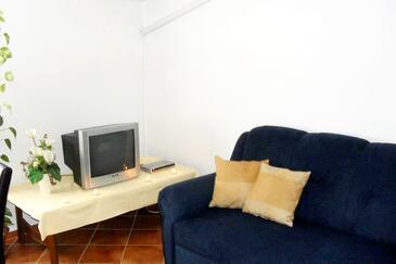 Valbandon, Living room in the apartment, dostupna klima i WIFI.