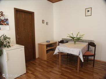 Ičići, Dining room in the apartment.