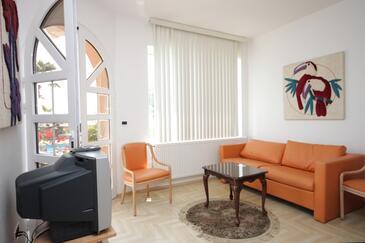 Opatija, Living room in the apartment, dostupna klima.