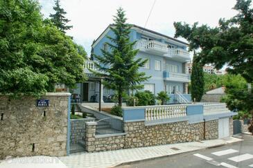 Crikvenica, Crikvenica, Объект 2360 - Апартаменты вблизи моря с галечным пляжем.