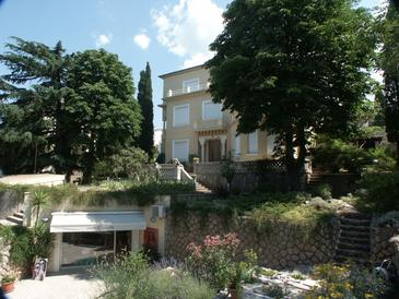 Crikvenica, Crikvenica, Property 2371 - Rooms near sea with sandy beach.