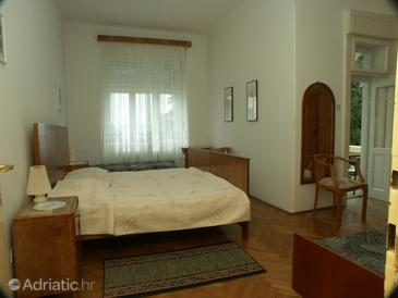 Crikvenica, Bedroom in the room.