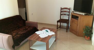 Dramalj, Living room in the apartment, air condition available, (pet friendly) and WiFi.