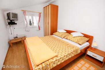 Dramalj, Bedroom in the room, dostupna klima i WIFI.