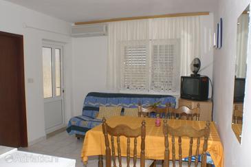 Zubovići, Dining room in the apartment, dostupna klima i WIFI.