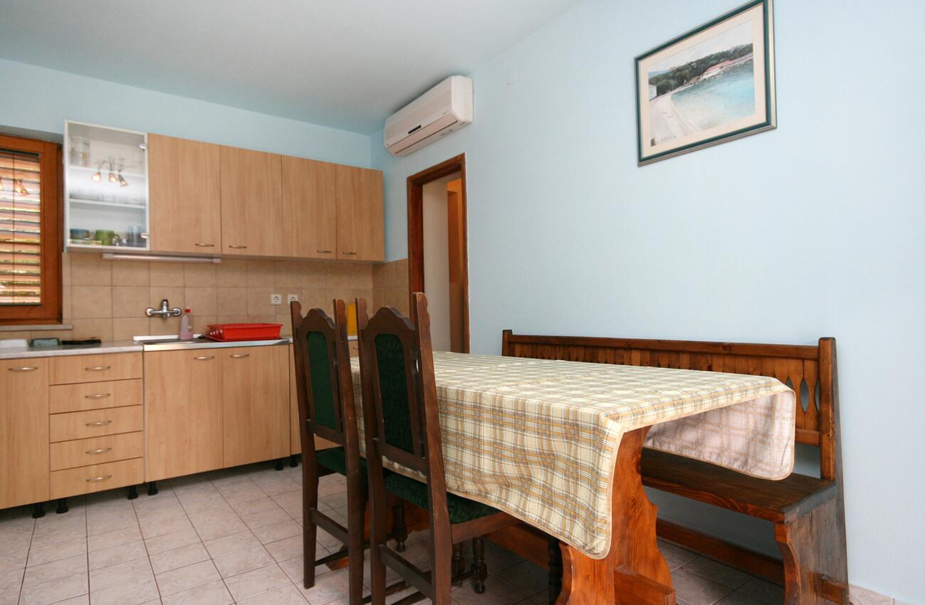 Appartement de vacances im Ort Povile (Novi Vinodolski), Kapazität 2 (1012968), Povile, , Kvarner, Croatie, image 2