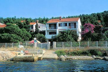 Okrug Gornji, Čiovo, Property 2406 - Apartments near sea with pebble beach.