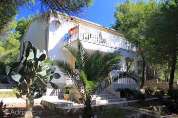 Rukavac, Vis, Propiedad 2407 - Apartamentos with pebble beach.