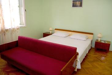 Komiža, Bedroom in the room.