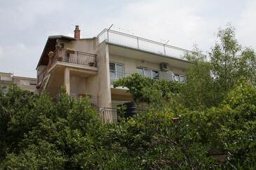 Novi Vinodolski, Novi Vinodolski, Obiekt 2418 - Kwatery ze żwirową plażą.