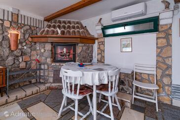 Novi Vinodolski, Dining room in the studio-apartment, WIFI.
