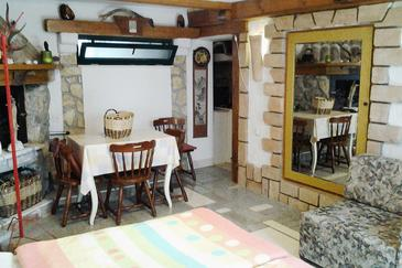Novi Vinodolski, Dining room in the studio-apartment, air condition available and WiFi.