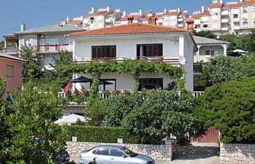 Novi Vinodolski, Novi Vinodolski, Property 2421 - Apartments with pebble beach.