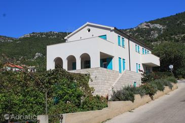 Komiža, Vis, Property 2425 - Apartments with pebble beach.