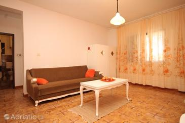 Rukavac, Living room in the apartment, dopusteni kucni ljubimci.