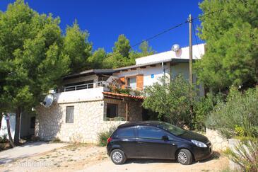 Rukavac, Vis, Property 2444 - Apartments with pebble beach.