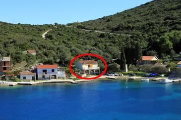 Uvala Rogačić, Vis, Property 2460 - Apartments near sea with pebble beach.