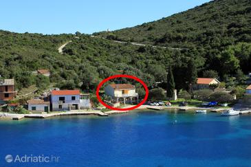 Rogačić, Vis, Property 2460 - Apartments near sea with pebble beach.