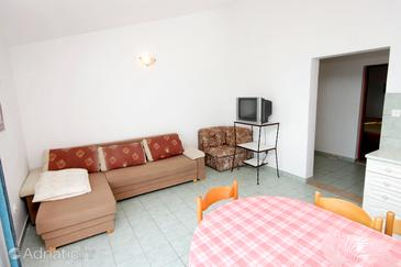 Zavalatica, Living room in the apartment, (pet friendly) and WiFi.