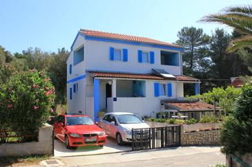 Artatore, Lošinj, Property 2475 - Apartments near sea with pebble beach.