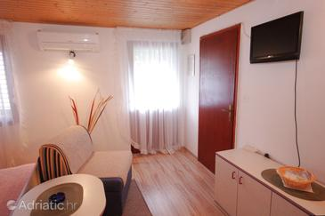 Vis, Living room in the studio-apartment, dopusteni kucni ljubimci i WIFI.