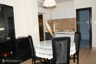 Mali Lošinj, Dining room in the apartment, dopusteni kucni ljubimci.
